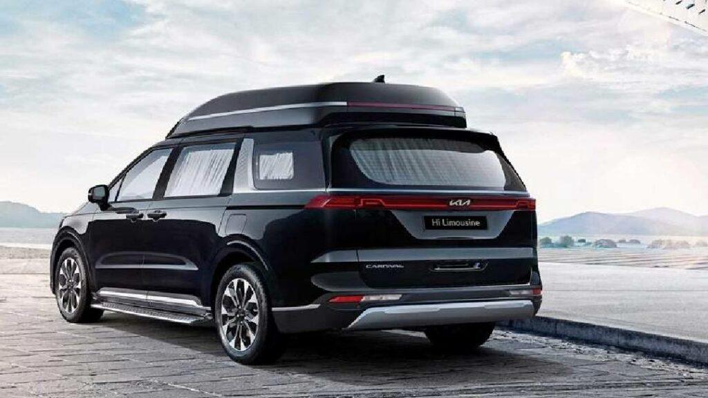 كيا تقدم سيارة كارنفال هاي ليموزين الجديدة 2022