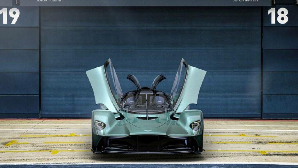 أستون مارتن Valkyrie Spider بمحرك 1139 حصان .. سيارة مذهلة
