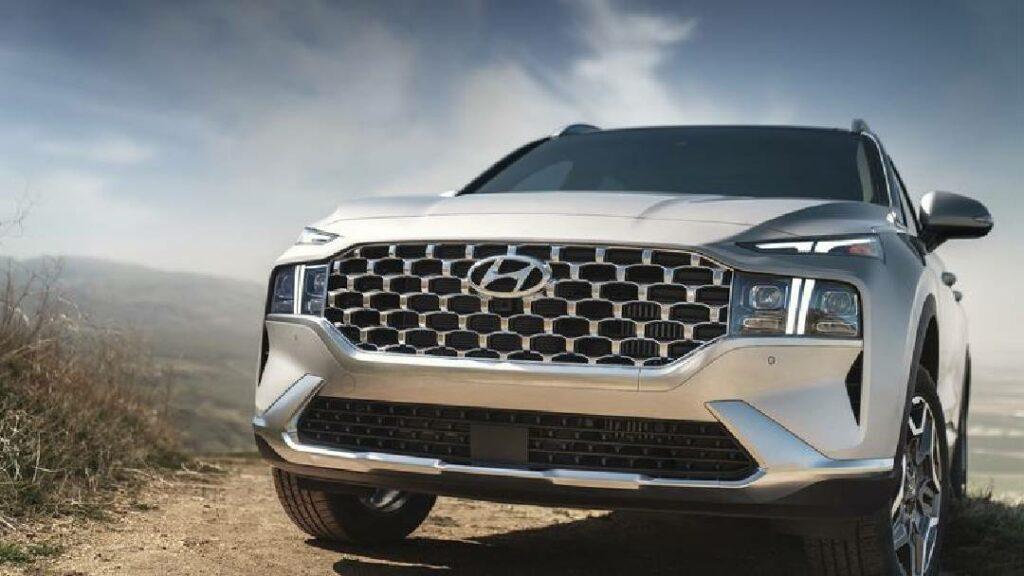 هيونداي تعلن عن السيارة Santa Fe موديل 2022 .. بمحرك كهربائي إضافي