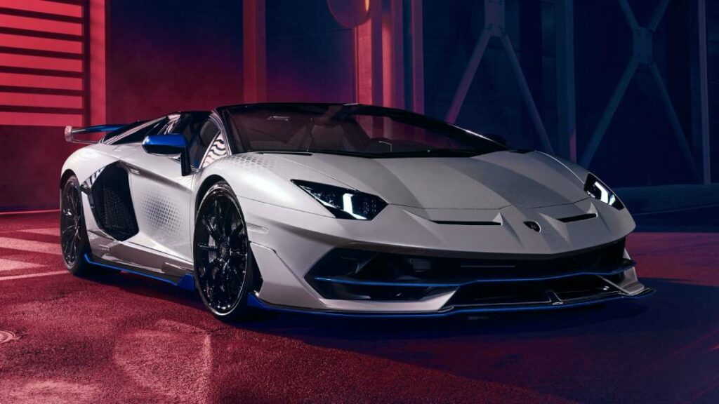 لامبورجيني  حققت مبيعات من أفينتادور اكثر من اي من سياراتها V12 الأخرى