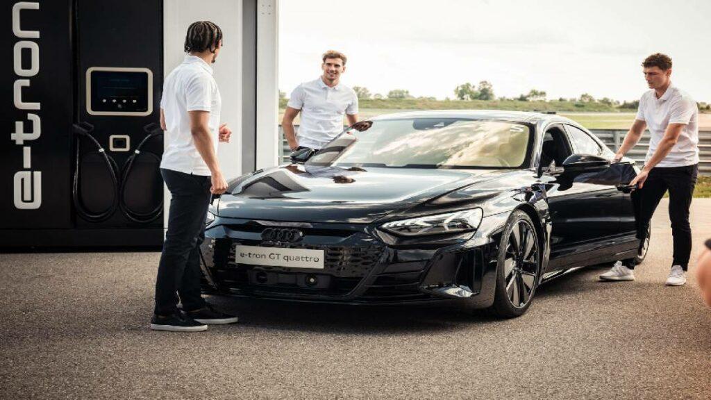لاعبي فريق بايرن ميونخ يحصل على سيارات أودي مجانا