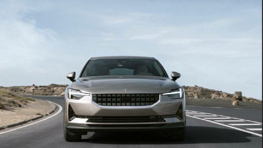 تعرف على قدرات السيارة الرائعة Polestar 2 موديل 2022 الكهربائية