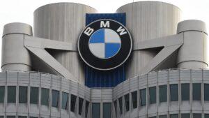 بي إم دبليو تصدم منظمة حماية البيئة وترفض وقف بيع سياراتها العاملة بالوقود