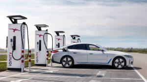 BMW تعلن انسحابها من حرب البطاريات